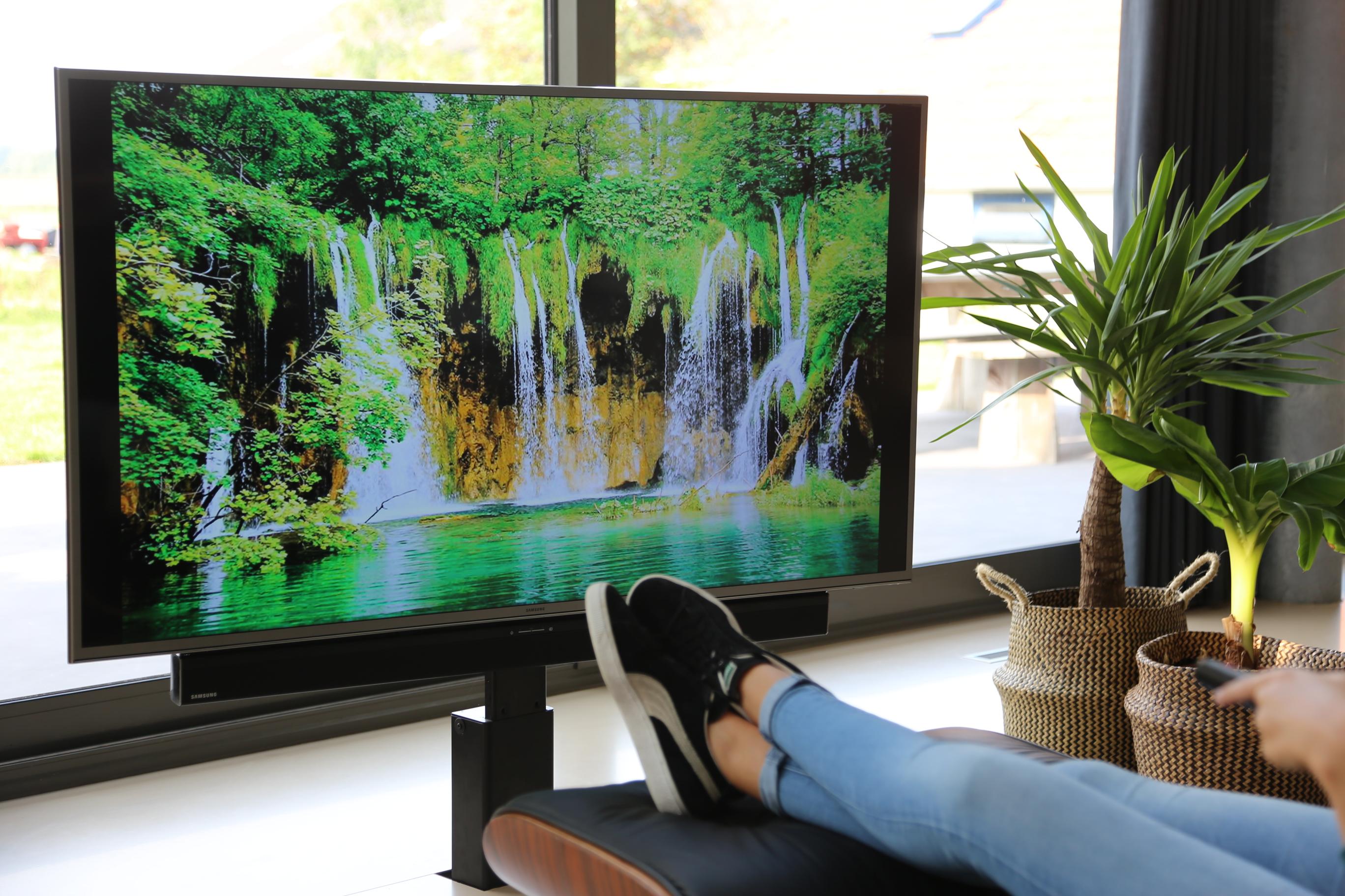 Tv Uit Kast Laten Komen.Tv Liftboy Verberg Uw Tv Met De Tv Lift Van Tvliftboy